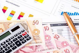 Projeção para juros básicos em 2017 cai, e cenário para inflação e economia melhora