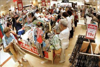 Poder de compra do brasileiro volta ao nível de 2011