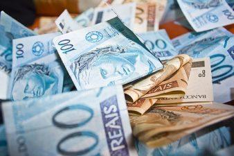 Resultado fiscal volta ao azul com melhor janeiro em quatro anos