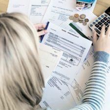 Pesquisa indica leve queda no endividamento das famílias