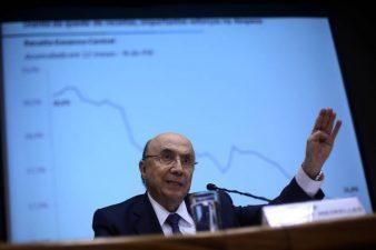 Revisão de meta afasta risco de aumento de imposto em 2017