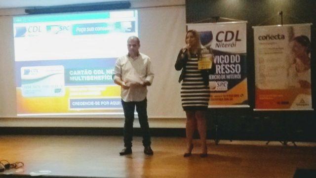 """10/10 – Café Empresarial apresenta empresa """"Uau-fi"""" e destaca mudanças no varejo com mobile"""