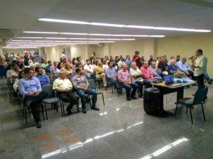 10/04 – Café Empresarial na Sede da CDL Niterói proporciona aos empresários atualização de conhecimentos sobre as novas leis trabalhistas
